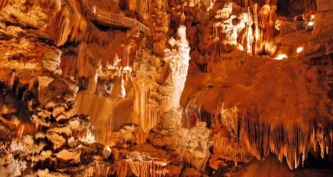 251-region-grotte-des-demoiselles-2-1600x850